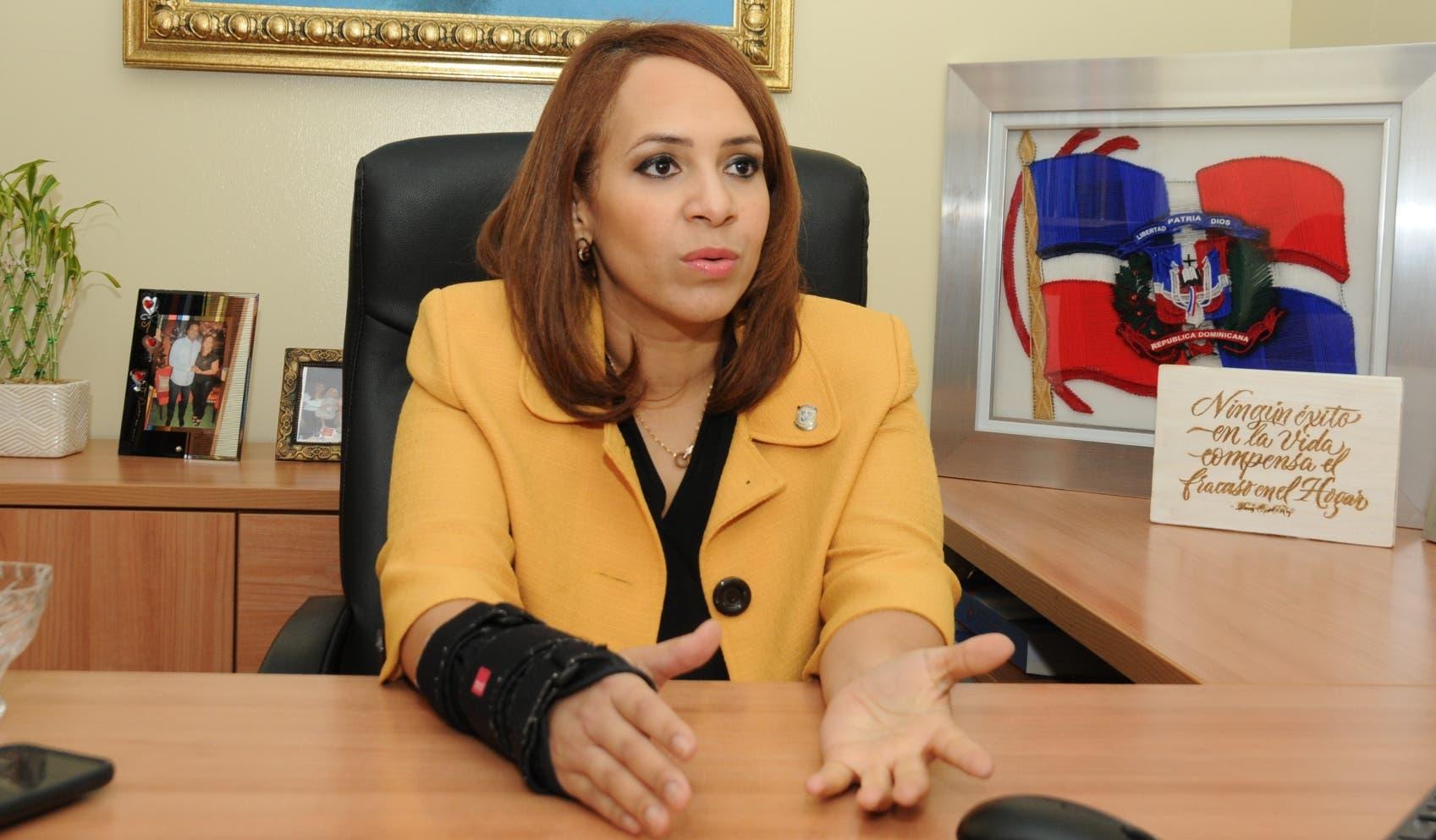 La diputada Karen Ricardo aspira a alcaldesa de Santo Domingo Este.