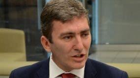 El economista   aclaró que el BID trabaja con  diferentes  sectores en busca de mejorar la condición de la gente.  carolina fernández