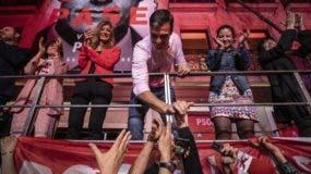 El PSOE de Pedro Sánchez, que cuenta con  mayoría absoluta en el Senado, intentará gobernar sin formar alianzas.