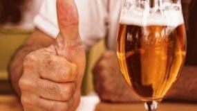 Hall  trabaja en una cervecería de Fifty West.