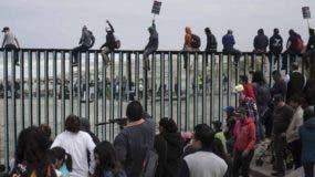 El cierre de la frontera sur tendría enormes consecuencias económicas y sociales para Estados Unidos y México.