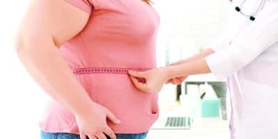 Las mujeres suelen aumentar de peso por distintos factores: la disminución del gasto energético y de la actividad física.