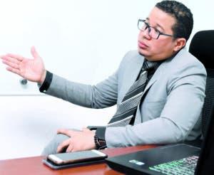 Engel Rivas ofrece un diplomado de ciberseguridad en el ITLA.   ALBERTO CALVO