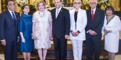 Henry Mejía, Carmen Imbert Brugal, Belkis de Castaños, Julio César Castaños Guzmán, Bertha de Saladín, Roberto Saladín  y Rosario Graciano.