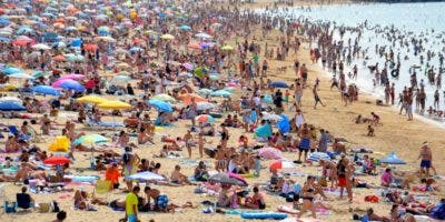 Las playas son los lugares más concurridos  en feriado de Semana Santa, siendo el exceso de exposición solar lo más dañino.