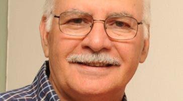 El  director de la escuela Willy Pérez.