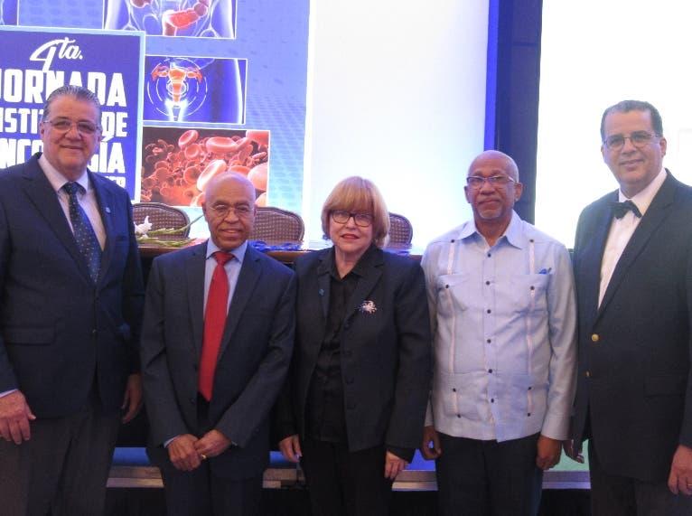Álvaro Gartner, Sergio Sarita, Rosa Haydeé Vassallo, Julio Ferreras y José Ramírez.