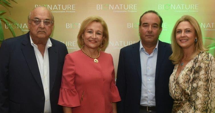 Alejandro Farach, Matilde Farach, Alejandro Farach (hijo) y Carmen de Farach.