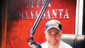 Roberto Rodríguez en plena labor en cabina.