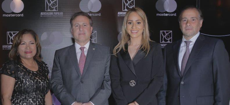 """Asociación Popular presenta  nueva tarjeta """"Mastercard Black APAP"""""""