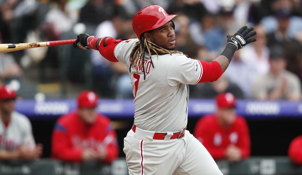 El dominicano Maikel Franco demuestra gran avance como bateador en esta temporada.  AP