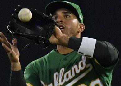 Ramón Laureano sigue creando estragos con  tiros espectaculares