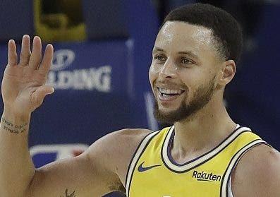 Stephen Curry ha mejorado sus lances de tres puntos.