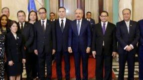 Los nuevos integrantes de la Suprema Corte durante la juramentación en el Palacio Nacional  por miembros del Consejo de la Magistratura.  fuente externa