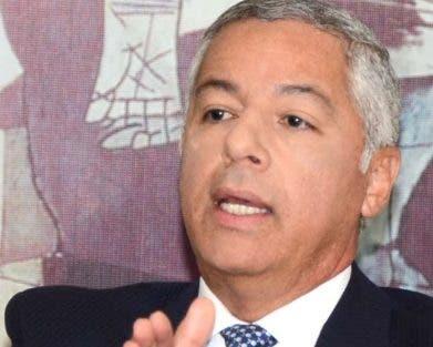 Donald Guerrero, ministro de Hacienda.