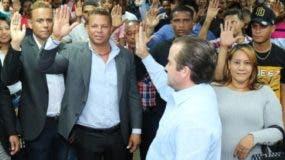 PRM  juramentó a 150    dirigentes del PRD.  Fuente externa