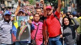 Simpatizantes del Gobierno de Nicolás Maduro se movilizan este martes en apoyo a Nicolás Maduro.