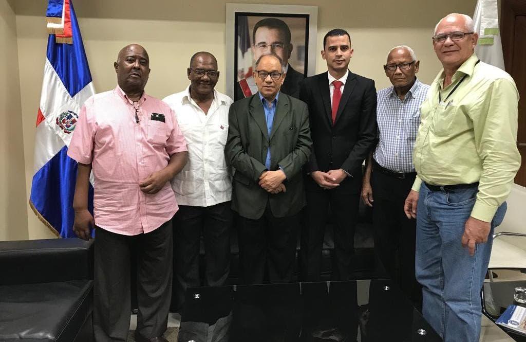 Pepe Abreu saluda Plan Transitorio de Servicio de Salud y aumento salarial para jubilados y pensionados