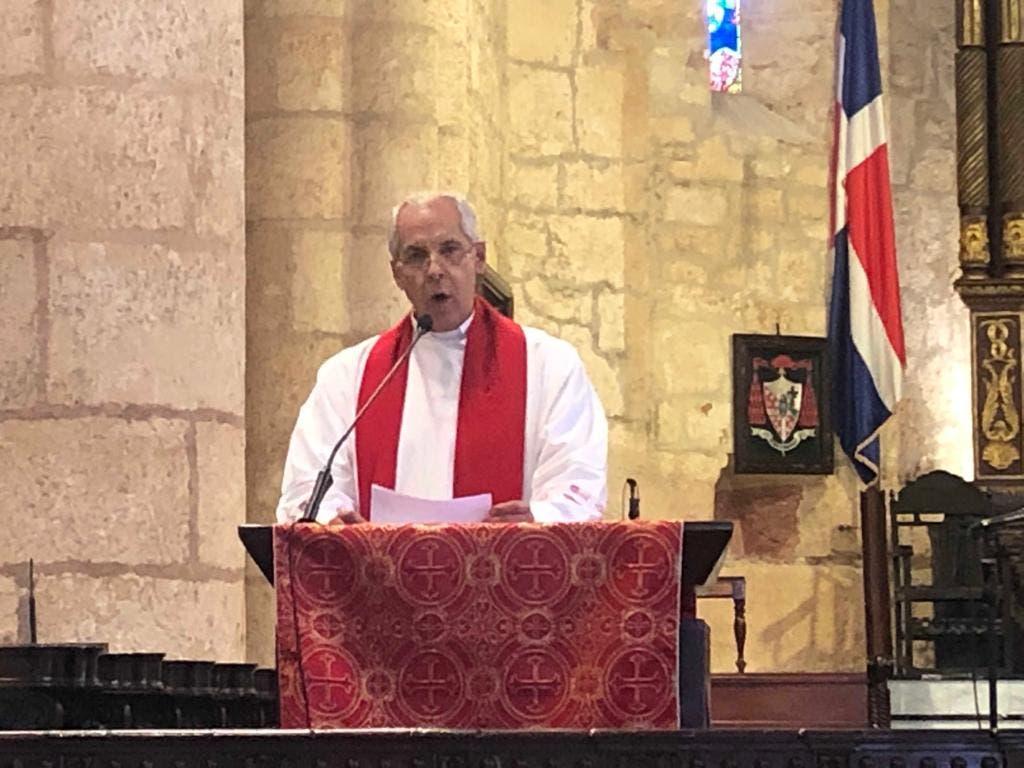 """""""La sintomatología que se verifica, nos está llevando a definir el trastorno: dictadura"""", dijo el padre José Pastor Ramírez al dar lectura a la Segunda Palabra del Sermón de las 7 Palabras."""