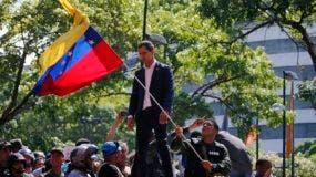 Juan Guaidó acude este martes a una concentración con simpatizantes en el bastión opositor caraqueño de Altamira.