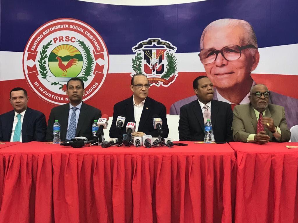 Ruddy González, Guido Gómez Mazara, Quique Antún,  Eddy Alcántara y Radhamés Castro Silverio.