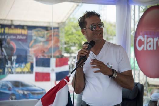 Carlos Silver duró más de más de 105 horas cantando.