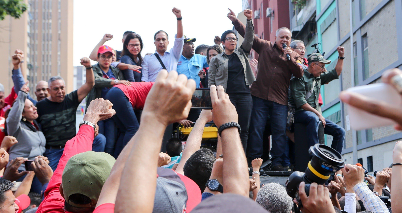 """Cabello dice que están """"completamente derrotados los golpistas"""" en Venezuela."""