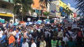 La marcha salió desde el Parque Enriquillo. Foto tomada del twitter de la Confederación Nacional de Unidad Sindical (CNUS)