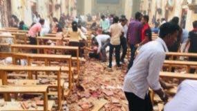 La policía impuso un toque de queda y realizó una redada a las afueras de Colombo, donde se produjeron las últimas detonaciones.