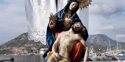 virgen-con-jesus-luego-del-descendimiento-fondo