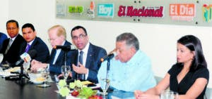 Andrés Navarro desglosó los planes y la visión de un gobierno suyo a partir de 2020.