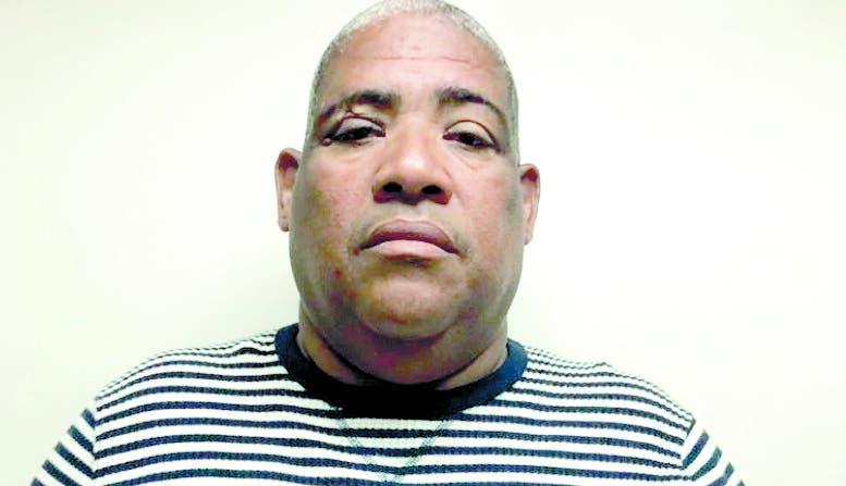 Agentes ocupan carnet de porte y tenencia de arma a Julito Kilo