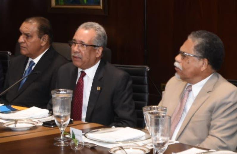 Simón Lizardo  ofrece detalles sobre los resultados operacionales obtenidos por la entidad financiera en  2018.