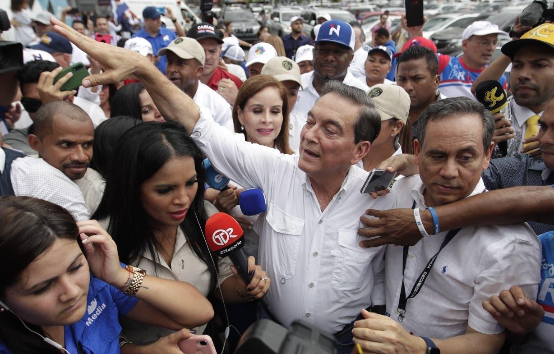 Con 88 % de mesas escrutadas, el opositor Laurentino  Cortizo se acercaba a la victoria.