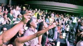 Los asistentes disfrutaron de principio a fin un show sin desperdicios.  Fuente externa