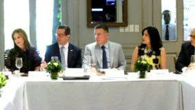 Los representantes del Conep estuvieron acompañados de asesores y abogados de la cúpula empresarial.