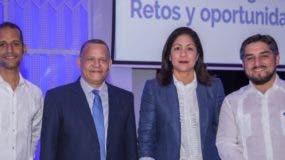 Wellington Reyes, Fausto Rosario, Vielka Guzmán y Oscar San Martín.