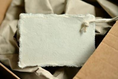 Ancianos reciben paquete de drogas por envío