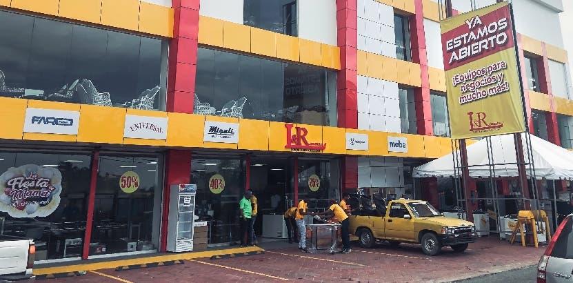 El edificio de la tienda fue completamente remozado.