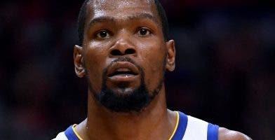 Kevin Durant podría optar por ir a  la agencia libre. Ap