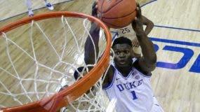 Zion Williamson es el jugador novato más  codiciado por los equipos para el draft.  AP