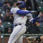 El dominicano Vladimir Guerrero Jr. empezó a justarse a los lanzadores de Grandes Ligas.  AP