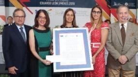 Franklin León, Ruth Herrera, Pamela Piña (hija del escritor), María Elena Aguayo y Eduardo Selman.