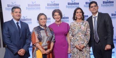 Jesús, Virginia, Marianela,  María Fernanda  y Fernando Arredondo.