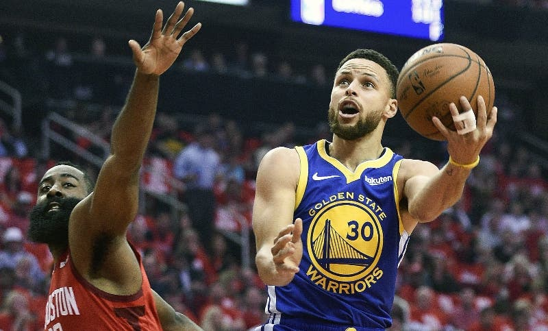 Stephen Curry es vital para las   aspiraciones de  Warriors.  AP
