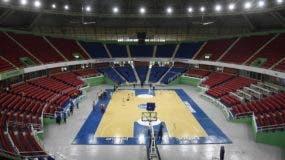Vista parcial del Palacio de los Deportes estrenando  luces led,  escenario del Torneo de Baloncesto Superior .  Alberto Calvo