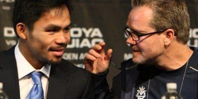 Manny Pacquiao junto al entrenador Freddie Roach.