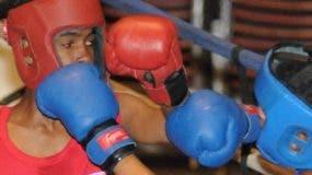 Acción en una de las peleas elimintorias.