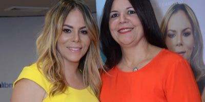 Michelle Campillo  y Rosario Arvelo.
