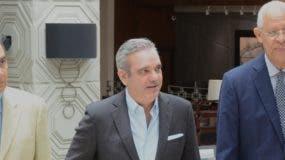 Luis Abinader sostuvo un encuentro con  académicos y profesionales del área del saber.